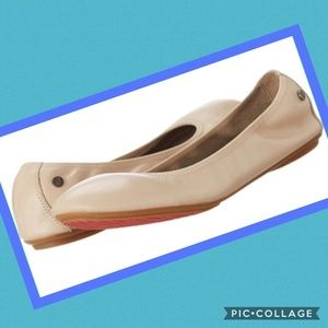 Hush Puppies Nude Leather Ballet Flats Size 9